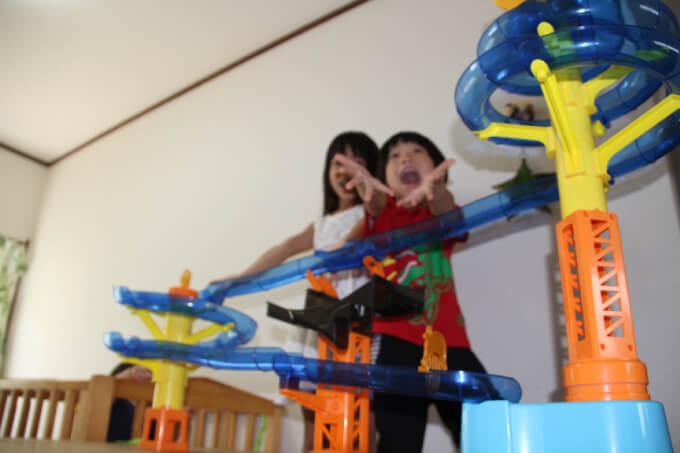 【一夏の思い出】そうめんスライダーで流しそうめんしたら、子どもの興奮度が凄かった件